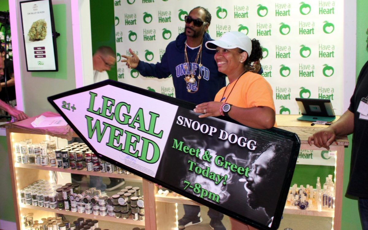 Sign Spinners in Seattle Promote Snoop Dog Meet & Greet
